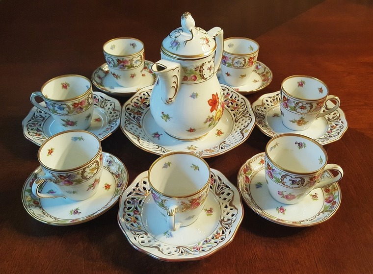 Large tea set 1302432 960 720