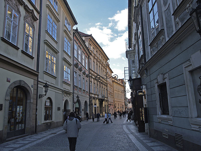 Thumb celetna street