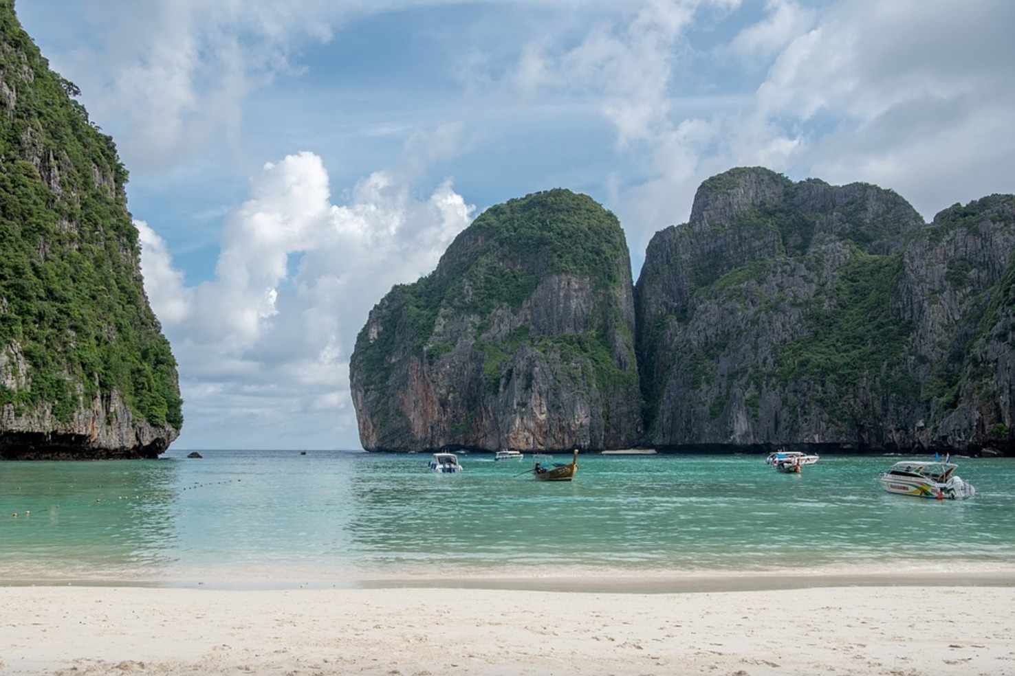 Large phi phi lay thailand maya bay phi phi islands beach
