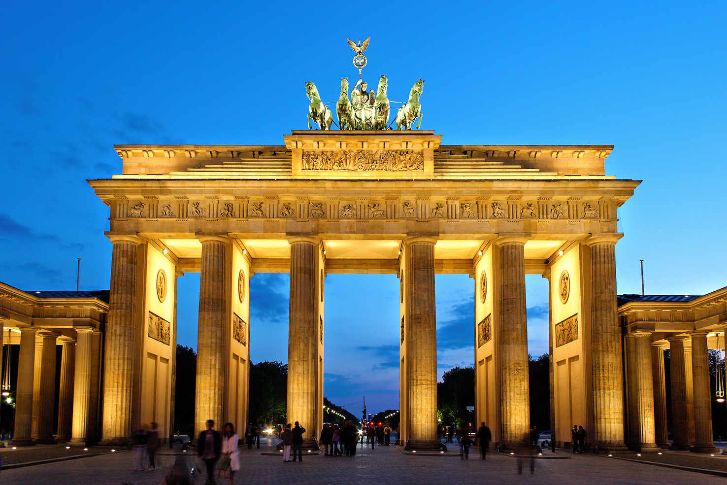 Large brandenburger tor abends