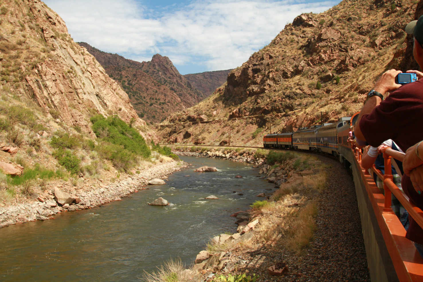 Large royalgorgetrain  2