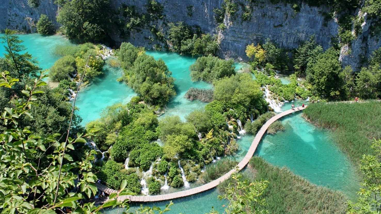 Large plitvice lakes