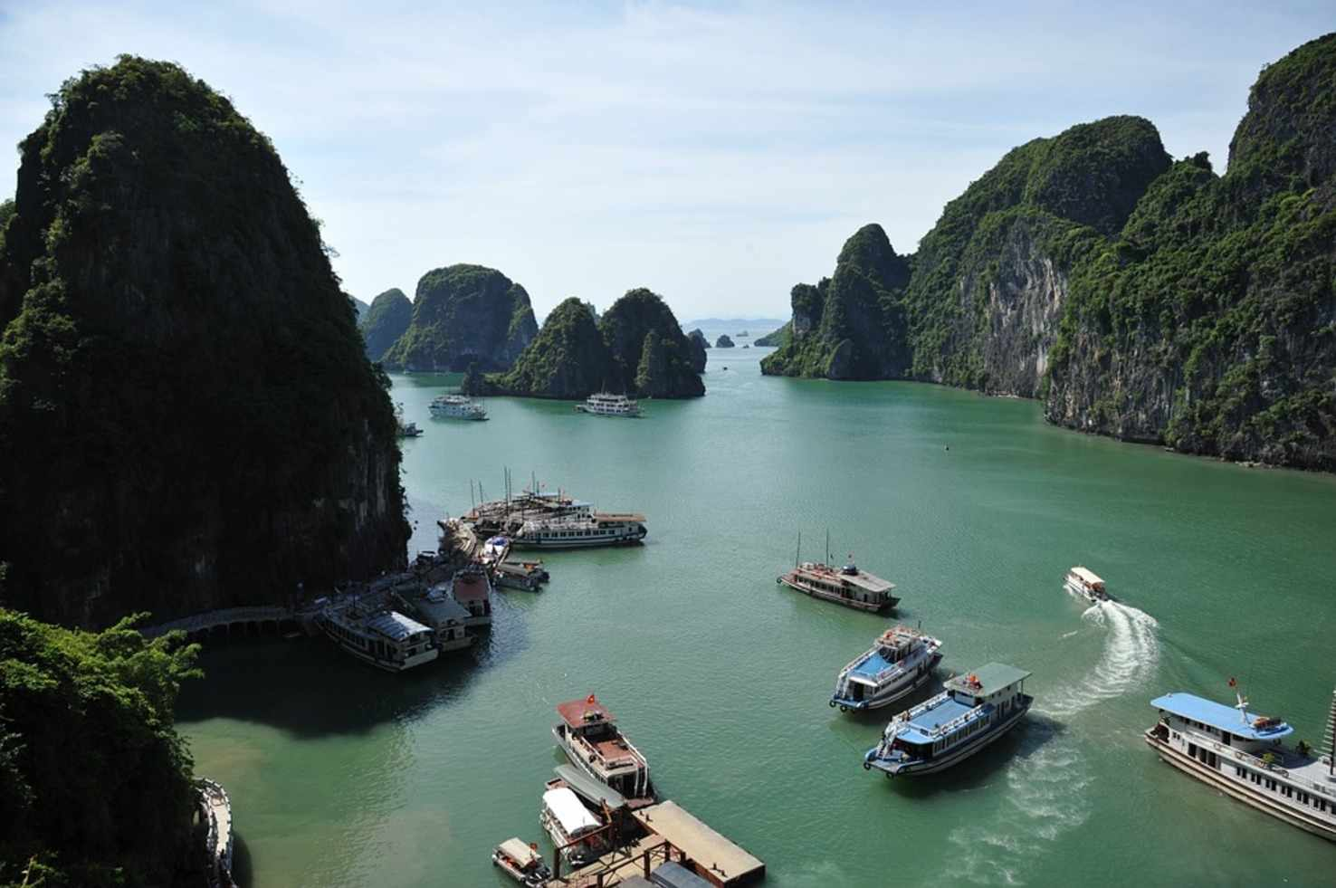 Large ha long