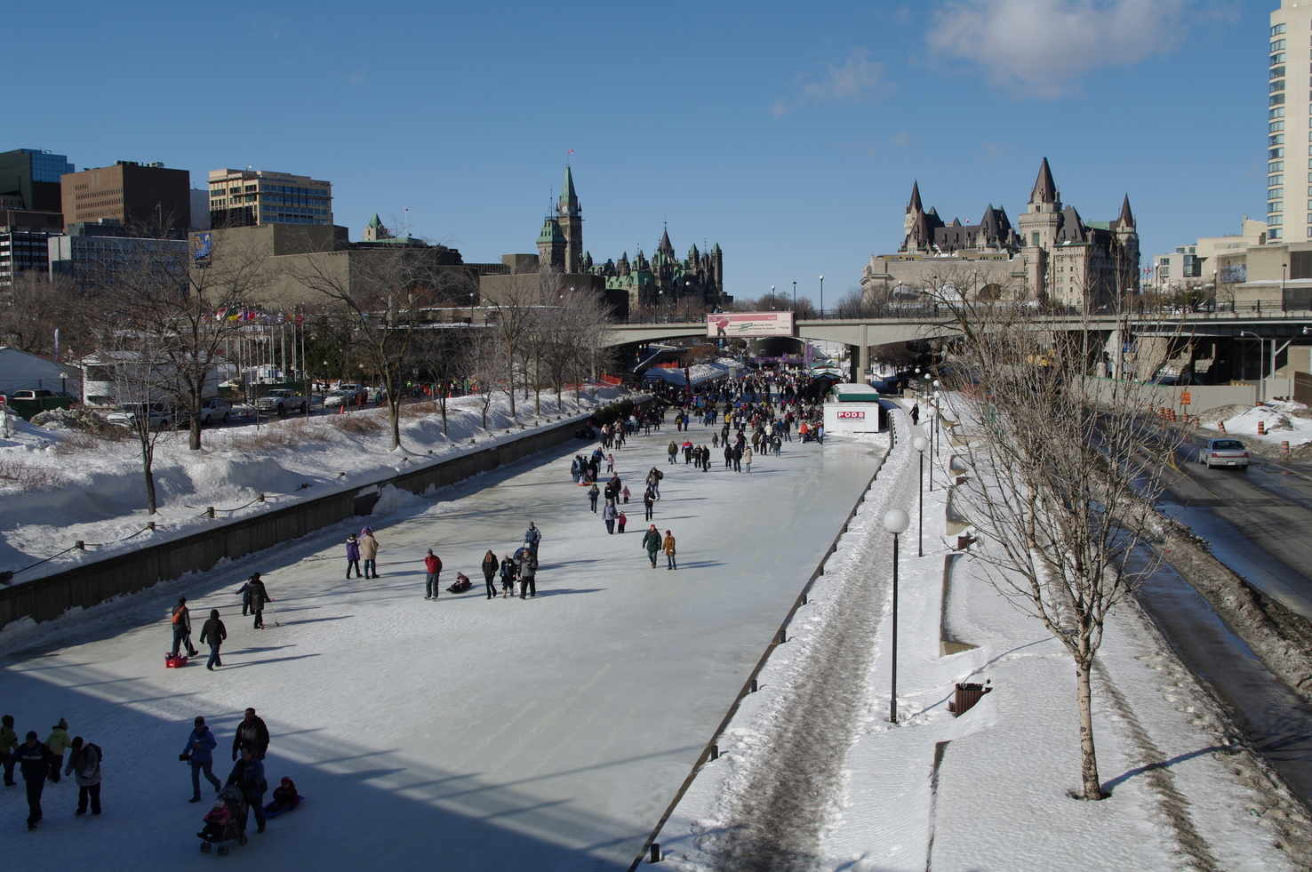 Large ottawa rideau canal skating chateau laurier parliament