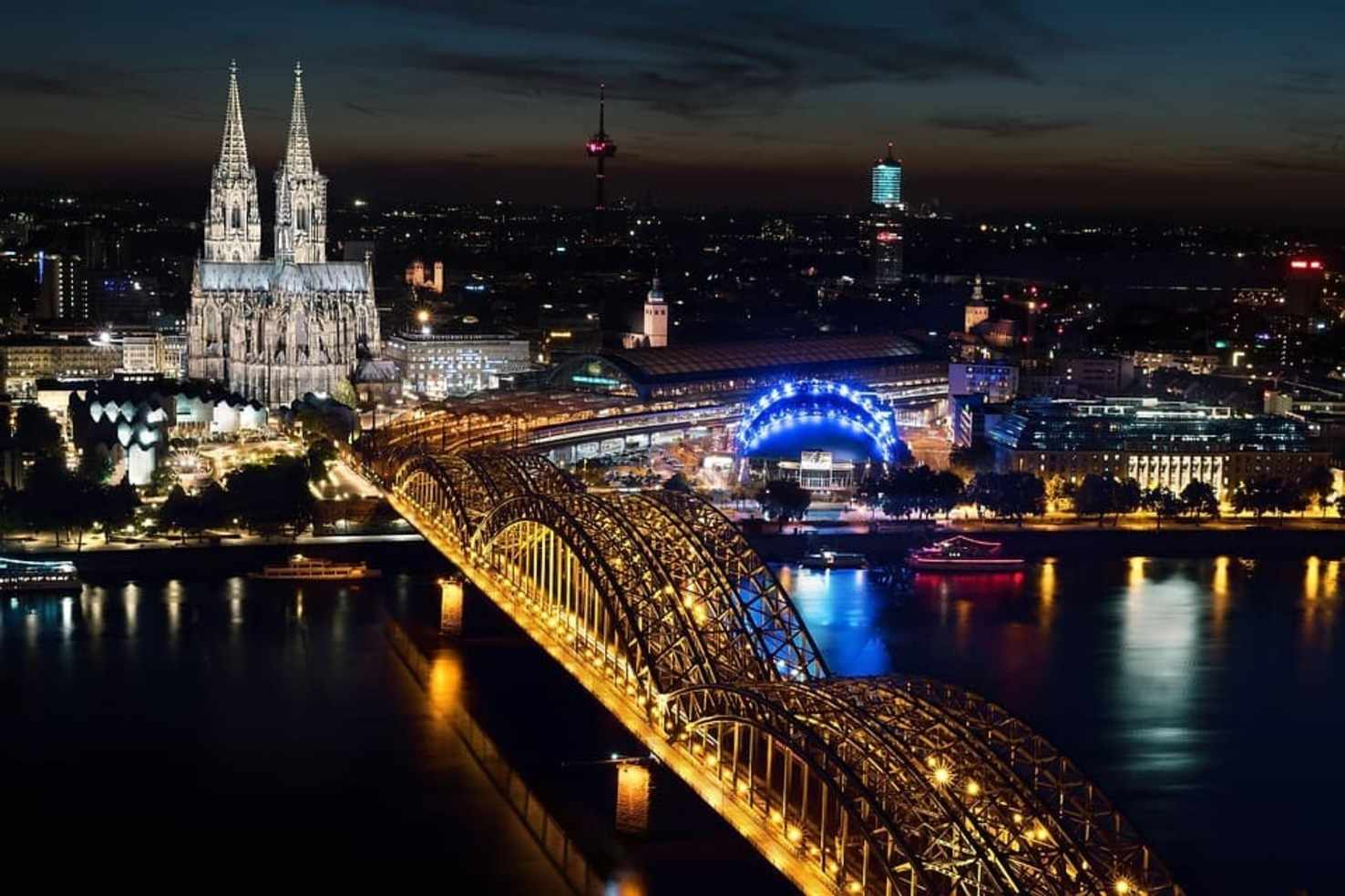Large cologne cathedral