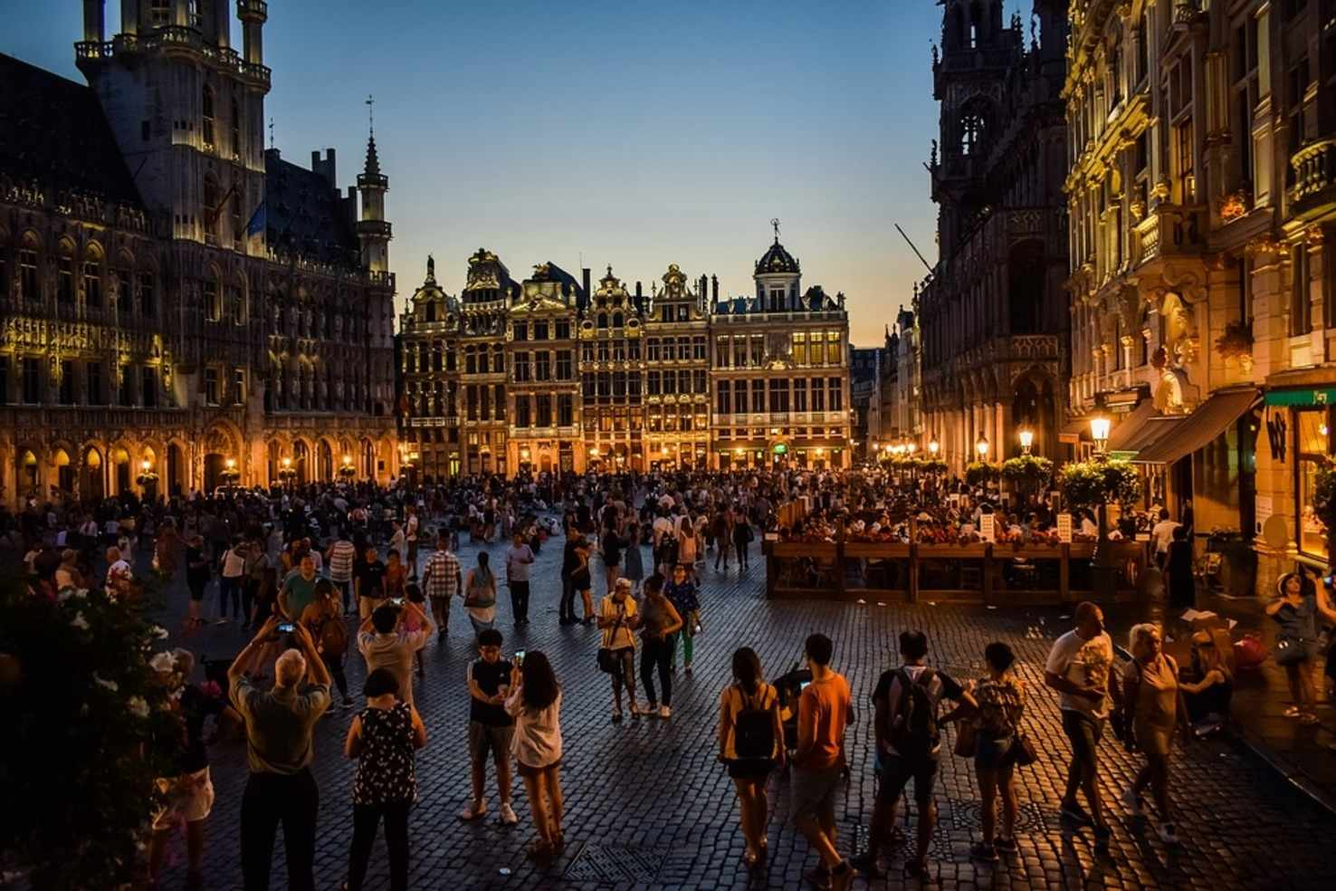 Large grand place