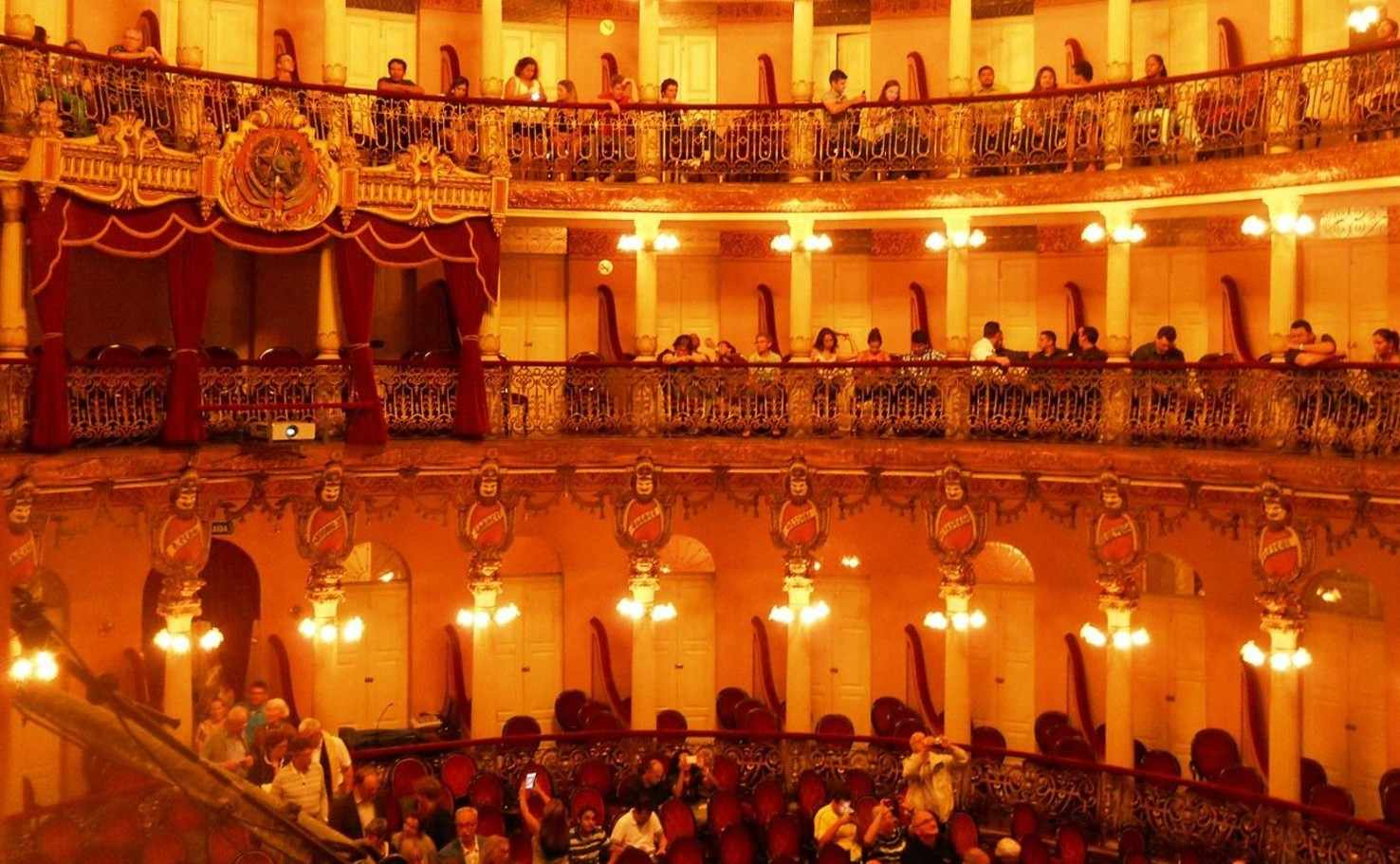 Large amazon theatre manaus  3