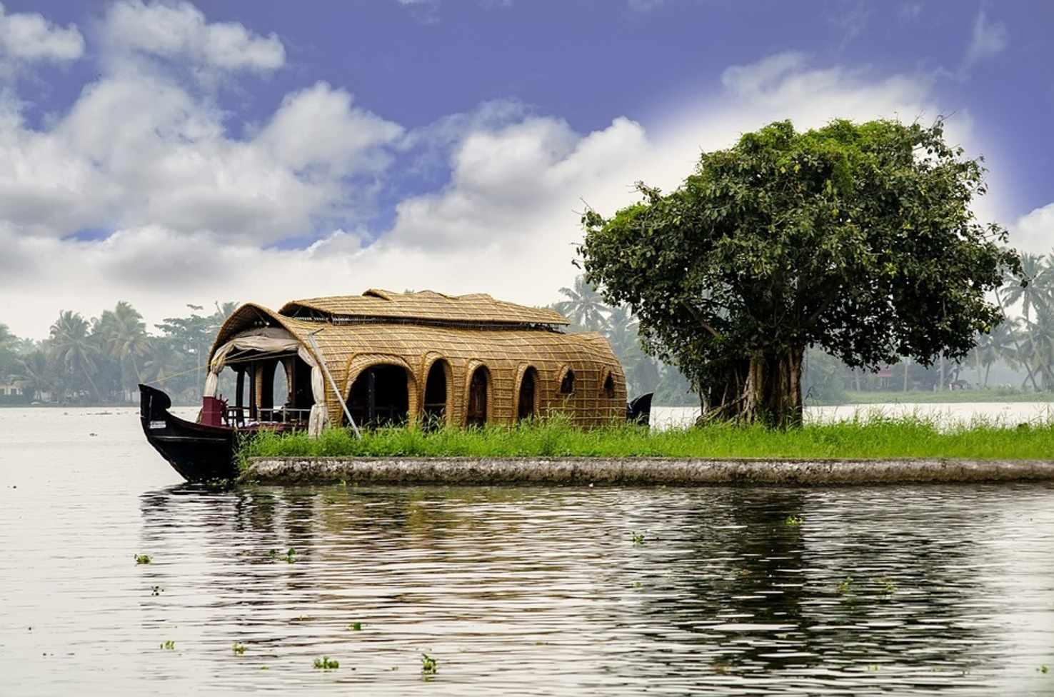 Large kerala houseboat 2242698 960 720